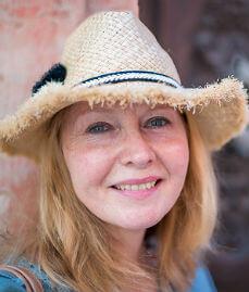 Claire Boobbyer – Cuba Expert